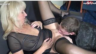 Cougar amateur allemand baise un jeune homme